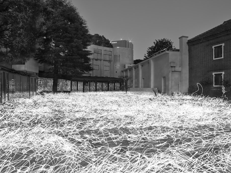 佐藤時啓〈光-呼吸〉ピグメントプリント 2020 ©Tokihiro Sato