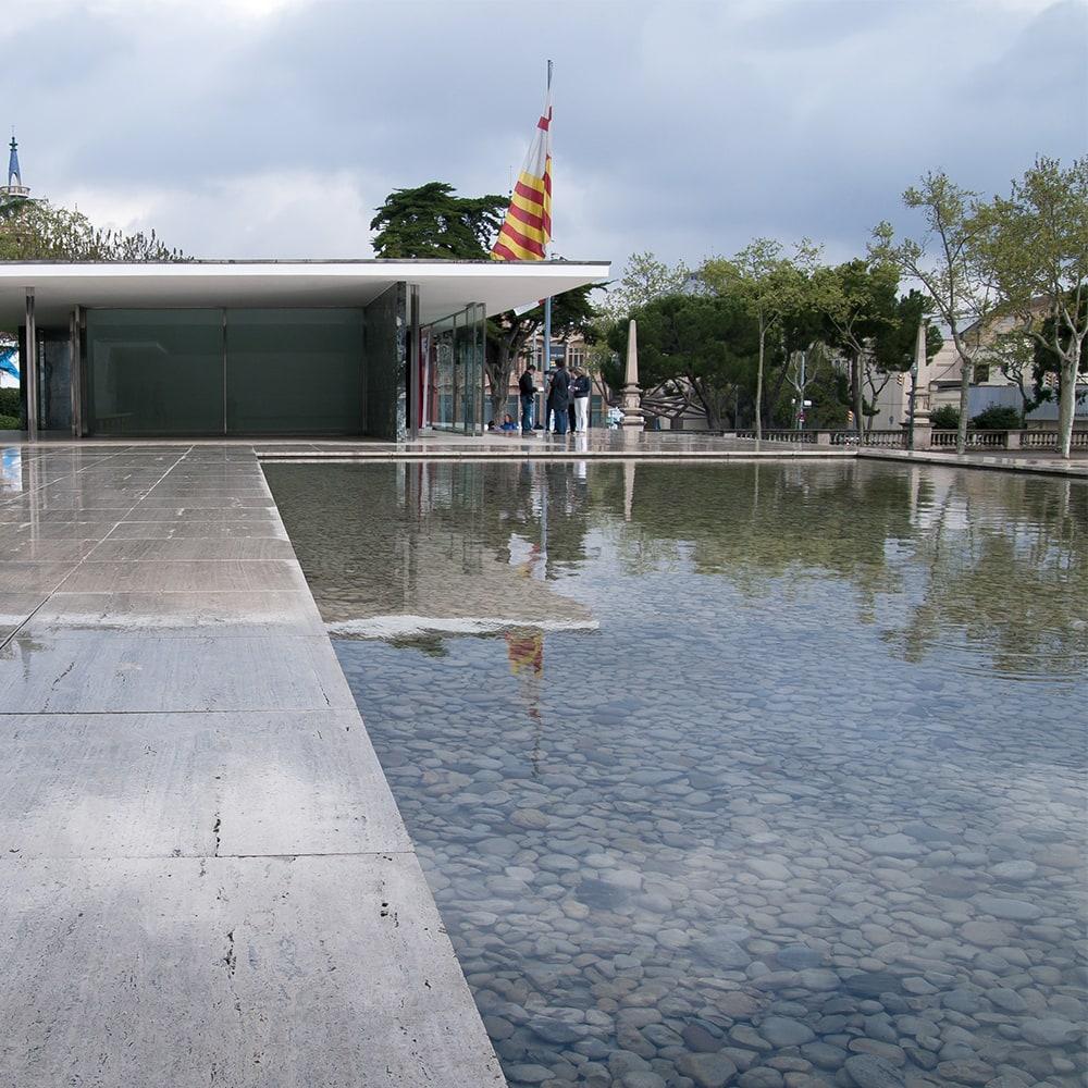 ミース・ファン・デル・ローエ〈バルセロナ・パビリオン〉1929年バルセロナ万国博覧会 ドイツ館