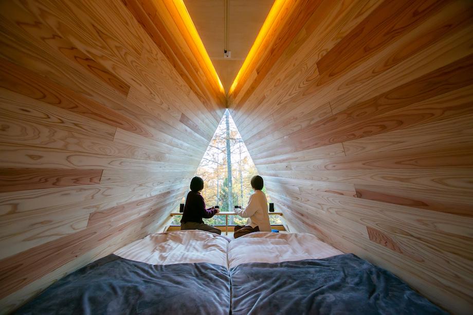 アウトドアホテル TENAR(テナール)/ キャビン設計:生物建築舎