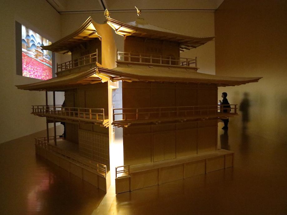 東京都現代美術館 企画展「石岡瑛子 血が、汗が、涙がデザインできるか」会場写真