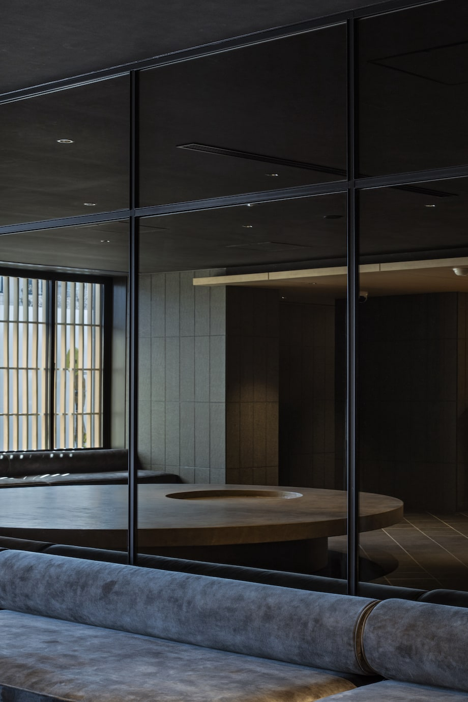 〈hotel tou nishinotoin kyoto by withceed(ホテル トウ 西洞院 京都 バイ ウィズシード)〉ロビー