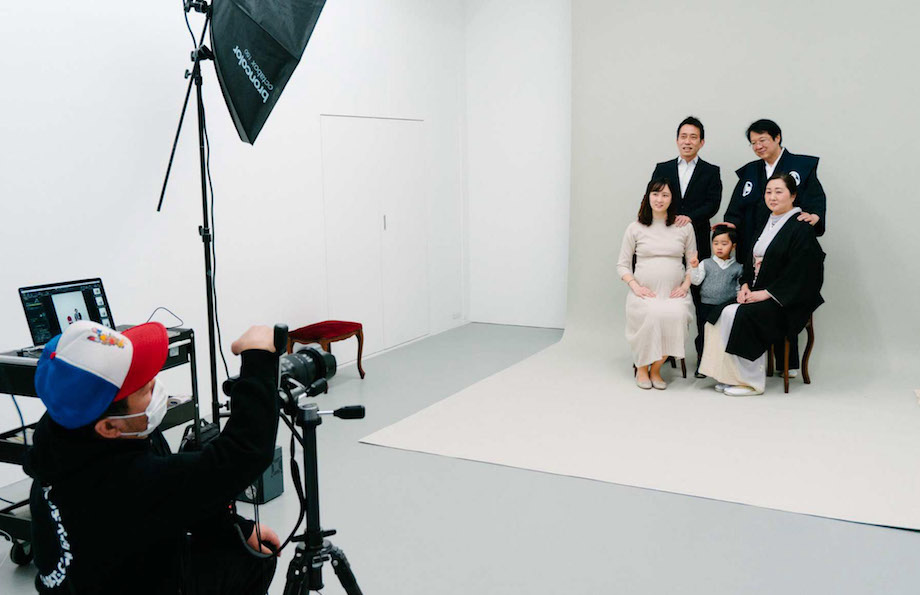 神田錦町〈神田ポートビル〉1F YUKAI「明るい写真館」