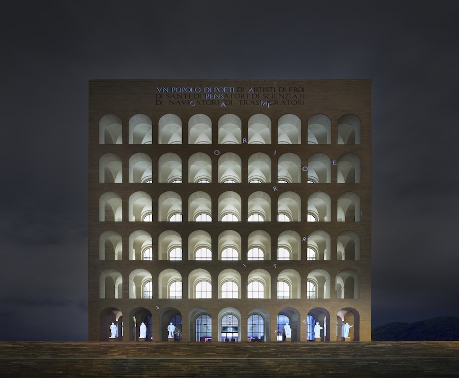 (FENDI)本社〈イタリア文明宮(Palazzo della Civiltà Italiana)〉