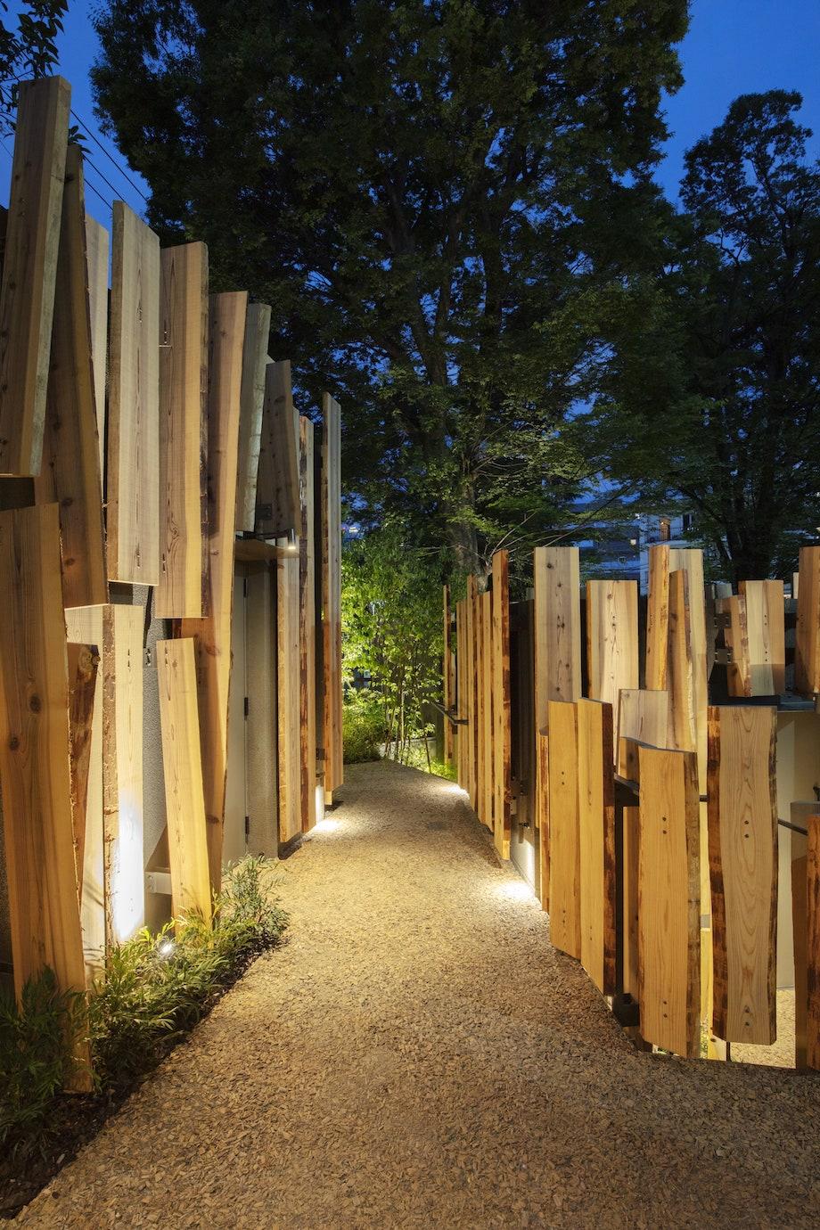 隈研吾デザイン 渋谷区鍋島松濤公園公共トイレ〈森のコミチ〉広報画像