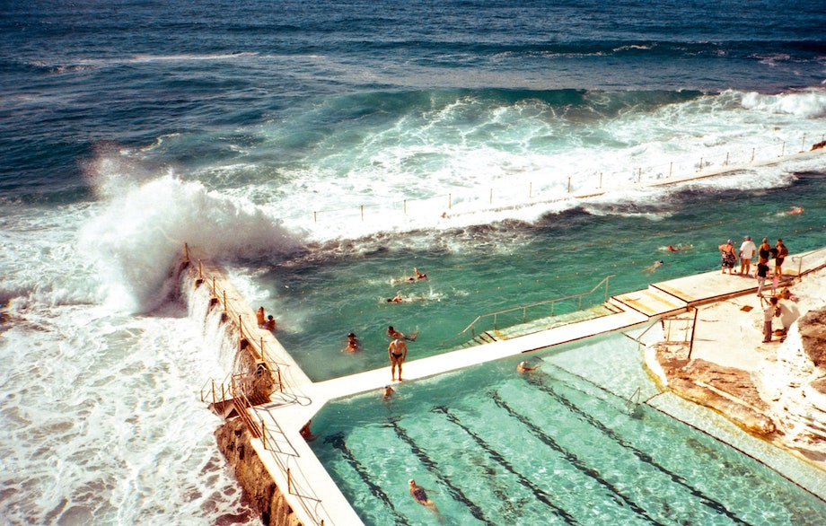 写真集『POOL 世界のプールを巡る旅』青幻舎