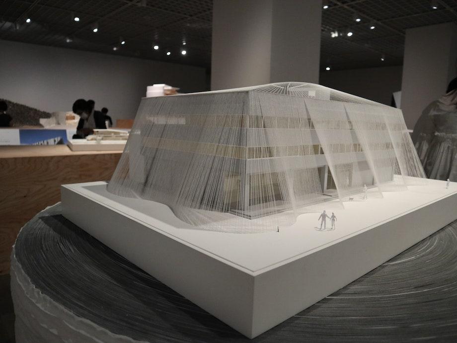 東京国立近代美術館「隈研吾展 新しい公共性をつくるためのネコの5原則」第1会場