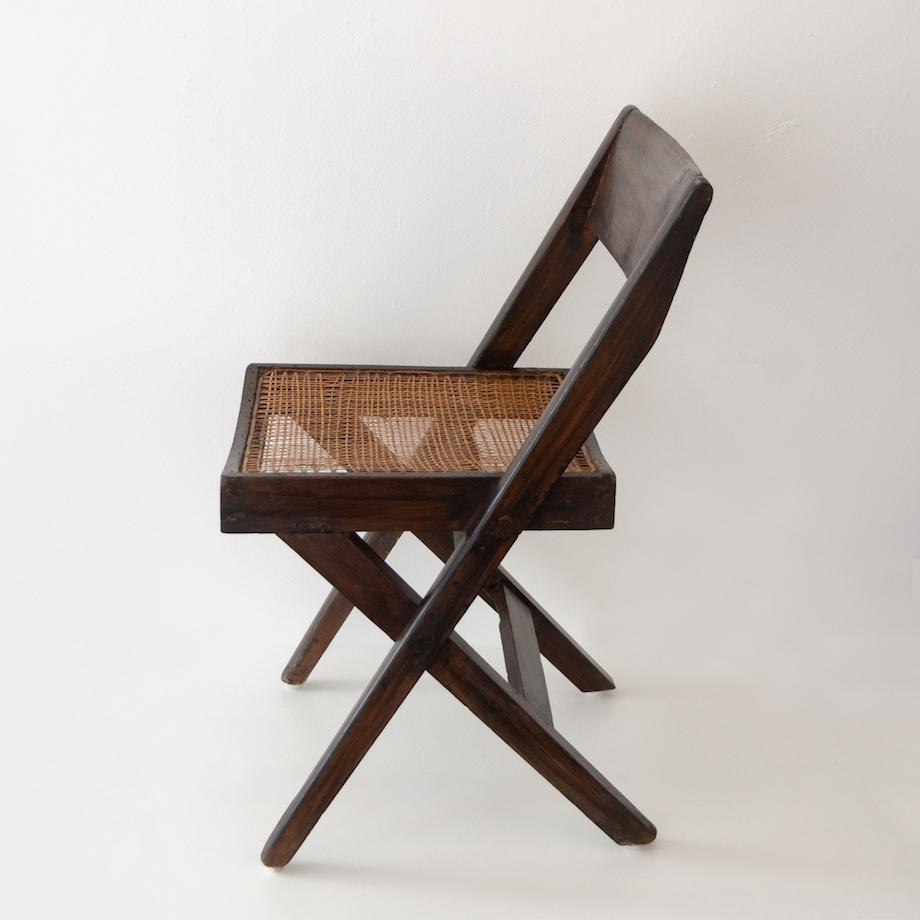「ジャンヌレの椅子とインド・アンティーク・アートコレクションと仙人掌盆栽」展