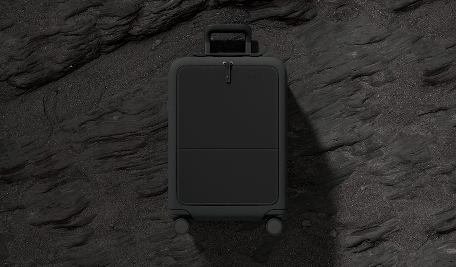 トラベルブランド「moln(モルン)」スーツケースイメージ